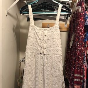 Aero Ivory lace dress. Medium